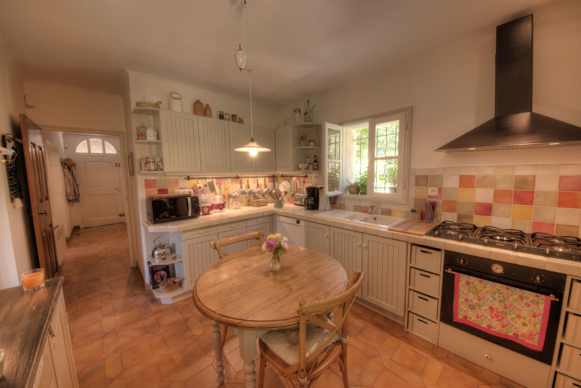 Kitchen of the villa in the nature the Thoronet