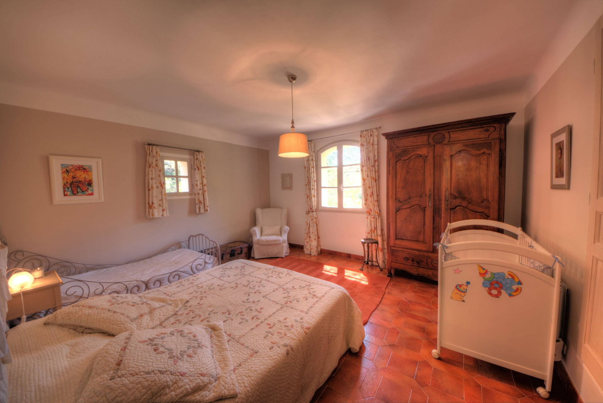 Bedroom 2 of the villa in the heart of the Thoronet