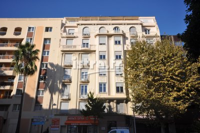 Nice Francois Grosso district, 3 bedroom apartment for sale