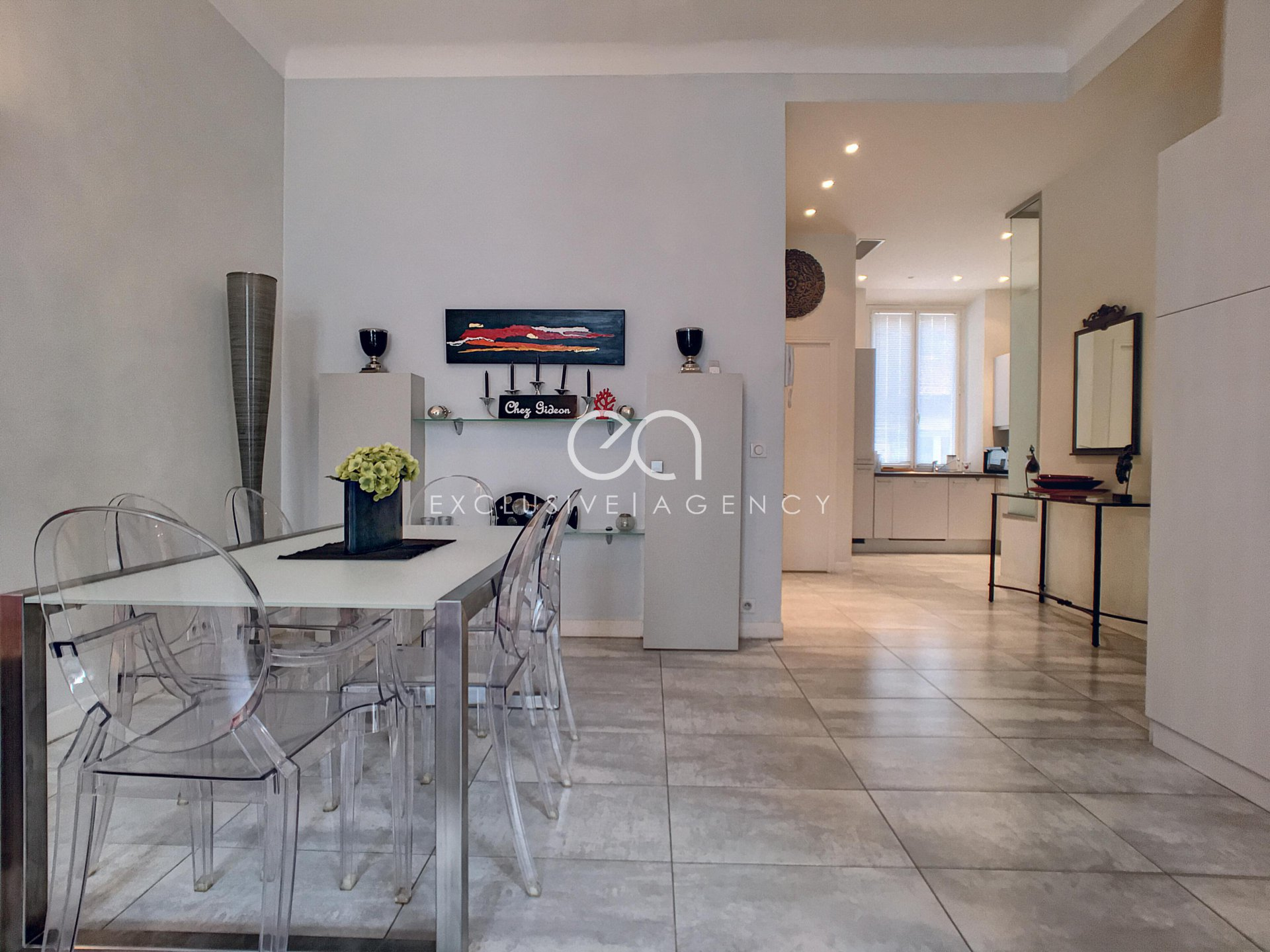 Weekly rental Cannes city center luxurious 60sqm 1 bedroom apartment for 2 to 4 PAX