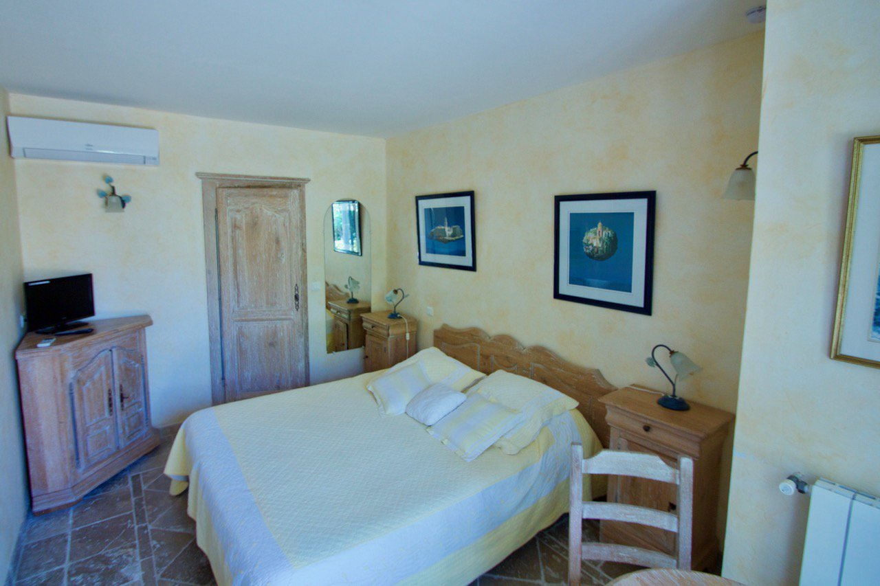 Les Issambres - Property / Chambre d'Hôtes at about 300 m. from sea