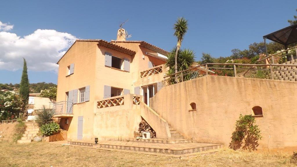 Le Rayol Canadel - belle villa néo provençale sur 5000m2 de terrain