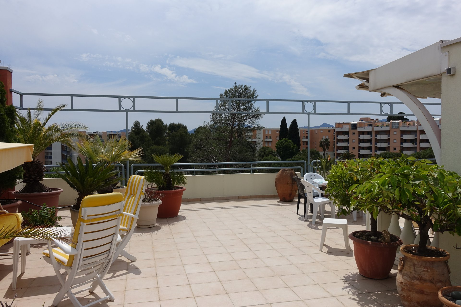 TOP FLOOR 145M² + 165M² Ter. with panoramic VIEW