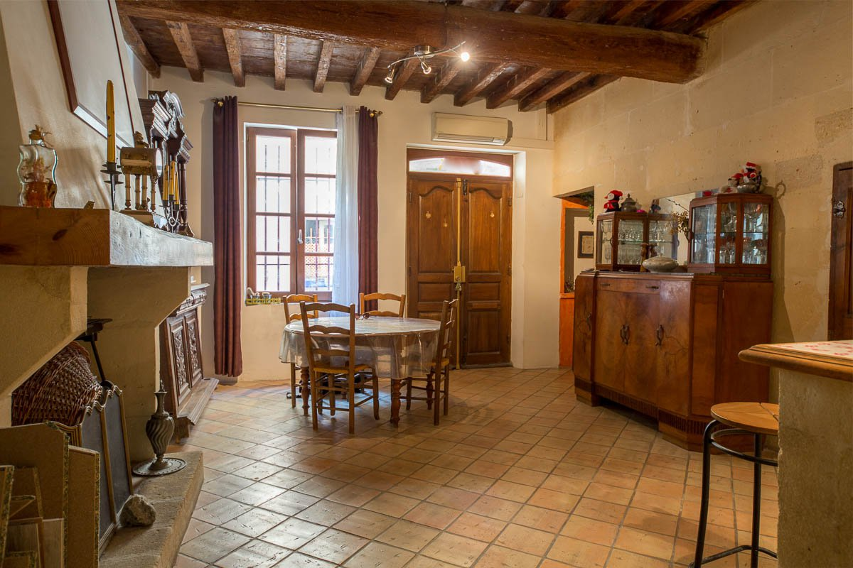 Town house for sale in Arles city centre