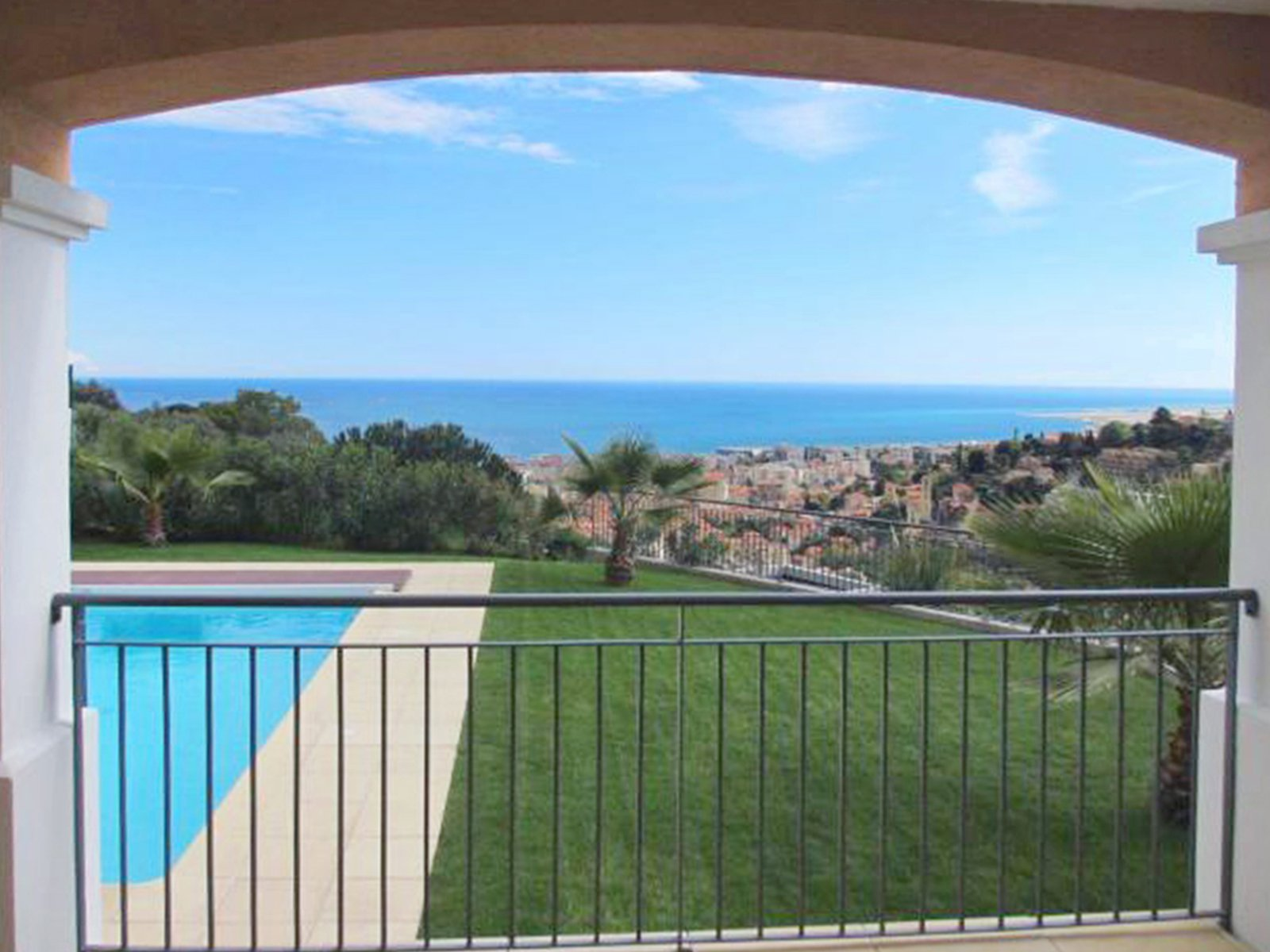 Nice Hills Saint Philippe - moderne villa with overlooking views on sea and hills