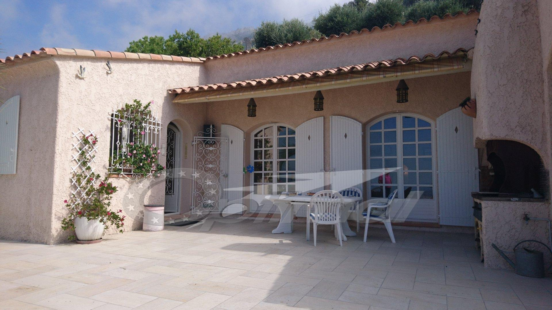 VILLA 250 M² WITH SWIMMING POOL, SEA VIEW