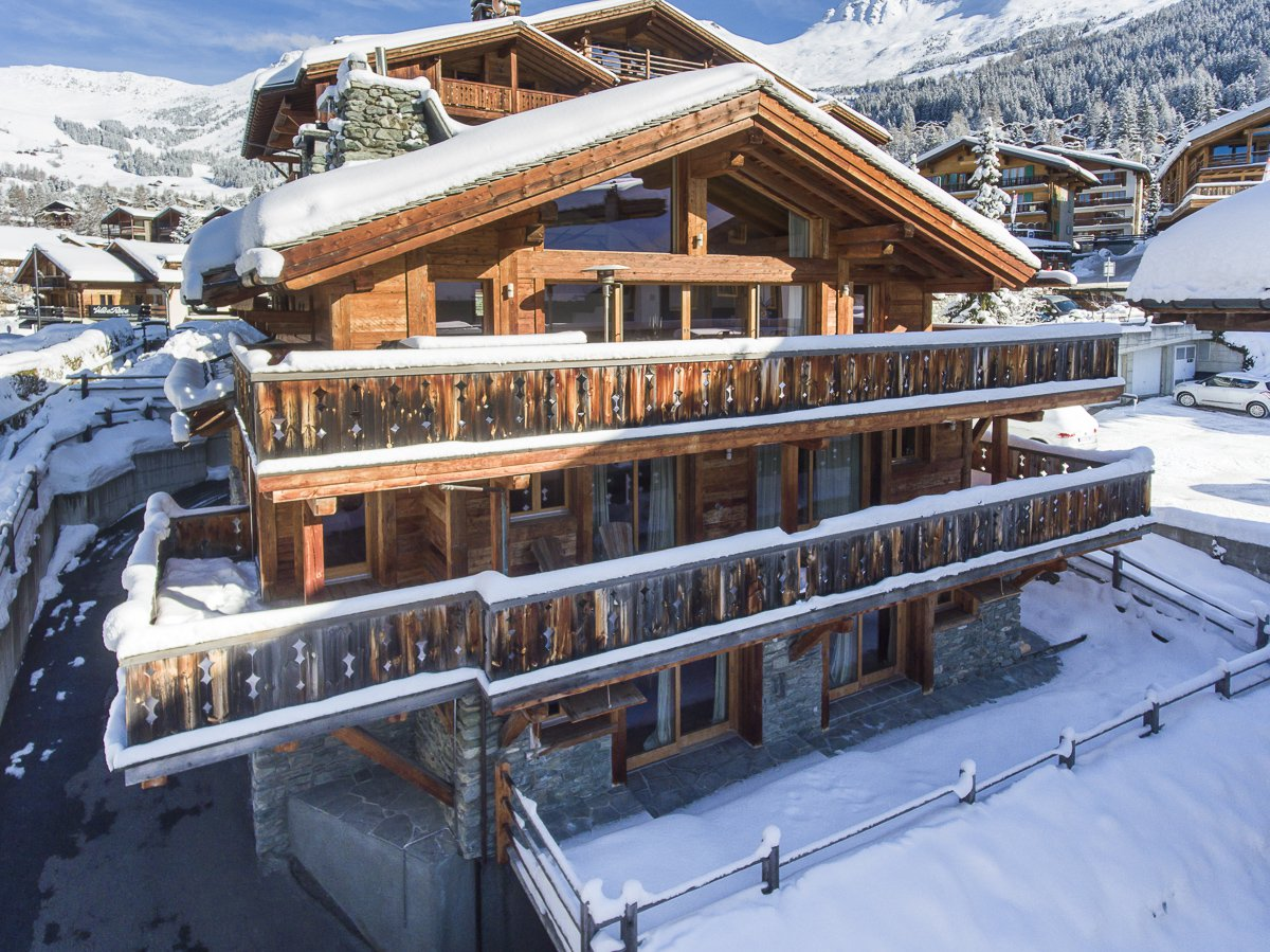 Spacious Chalet near main Ski Lifts Chalet in Chamonix