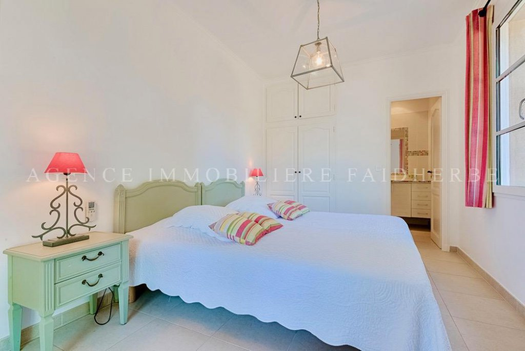 Beautiful new villa, 800meters from la Place des Lices