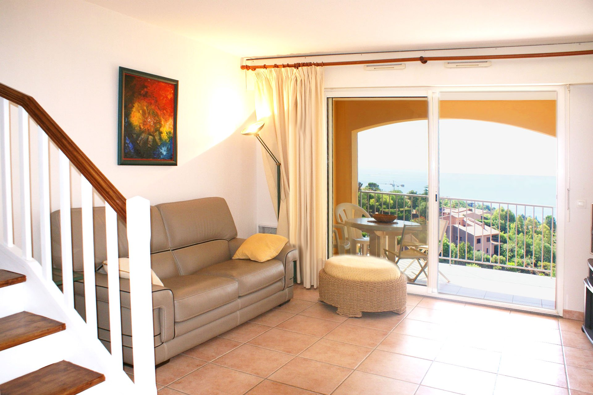 terraced house living room, 2 bed rooms (4 sleeps) kitchen  2 terraces with beautiful sea view   * ROVI12 *