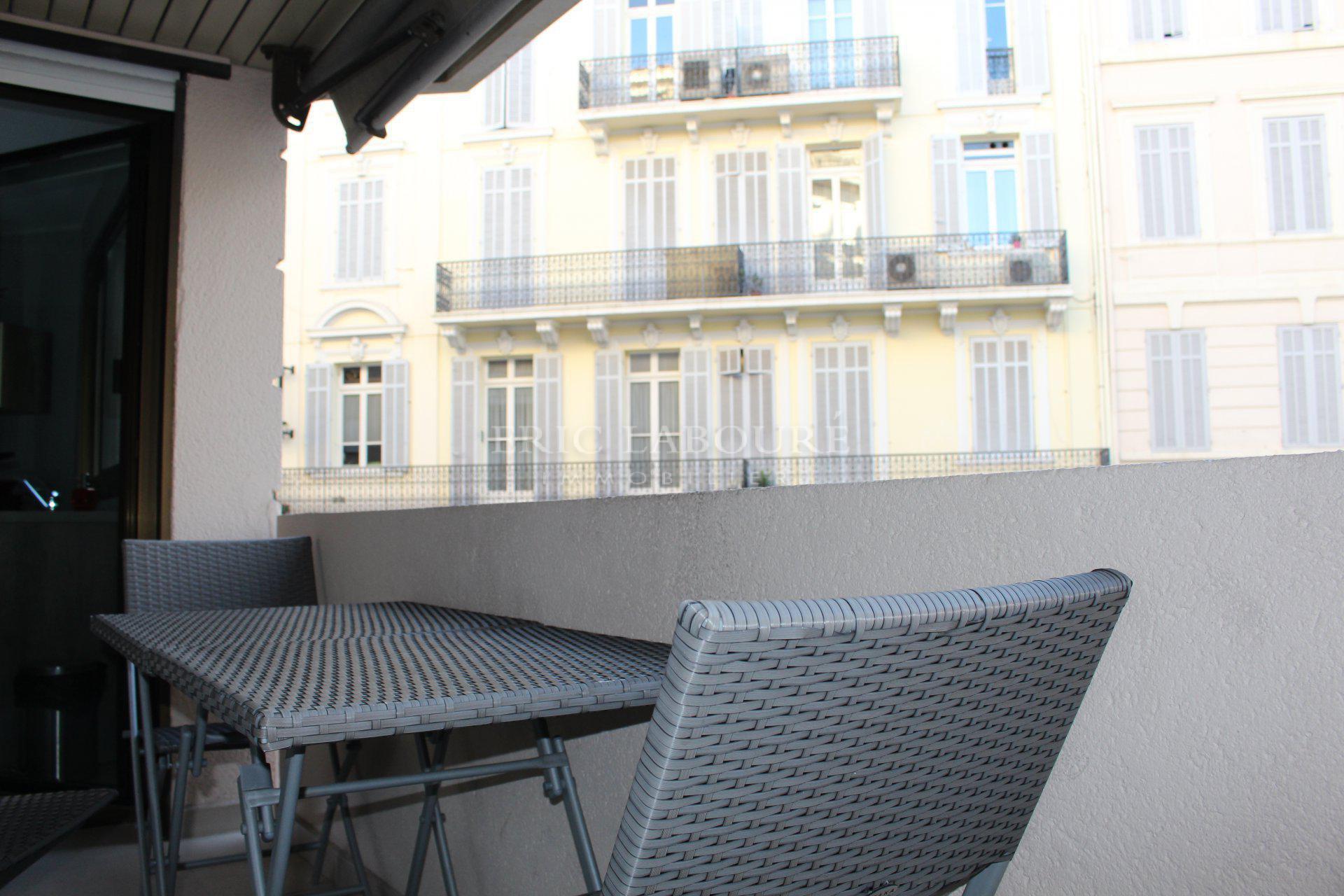 Location saisonnière - Cannes rue d'Antibes.