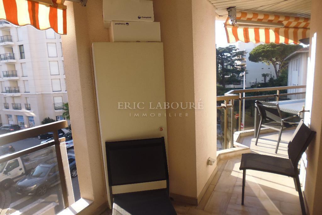 """Appartement 3 pièces - Cannes centre """"banane"""" - location saisonnière"""