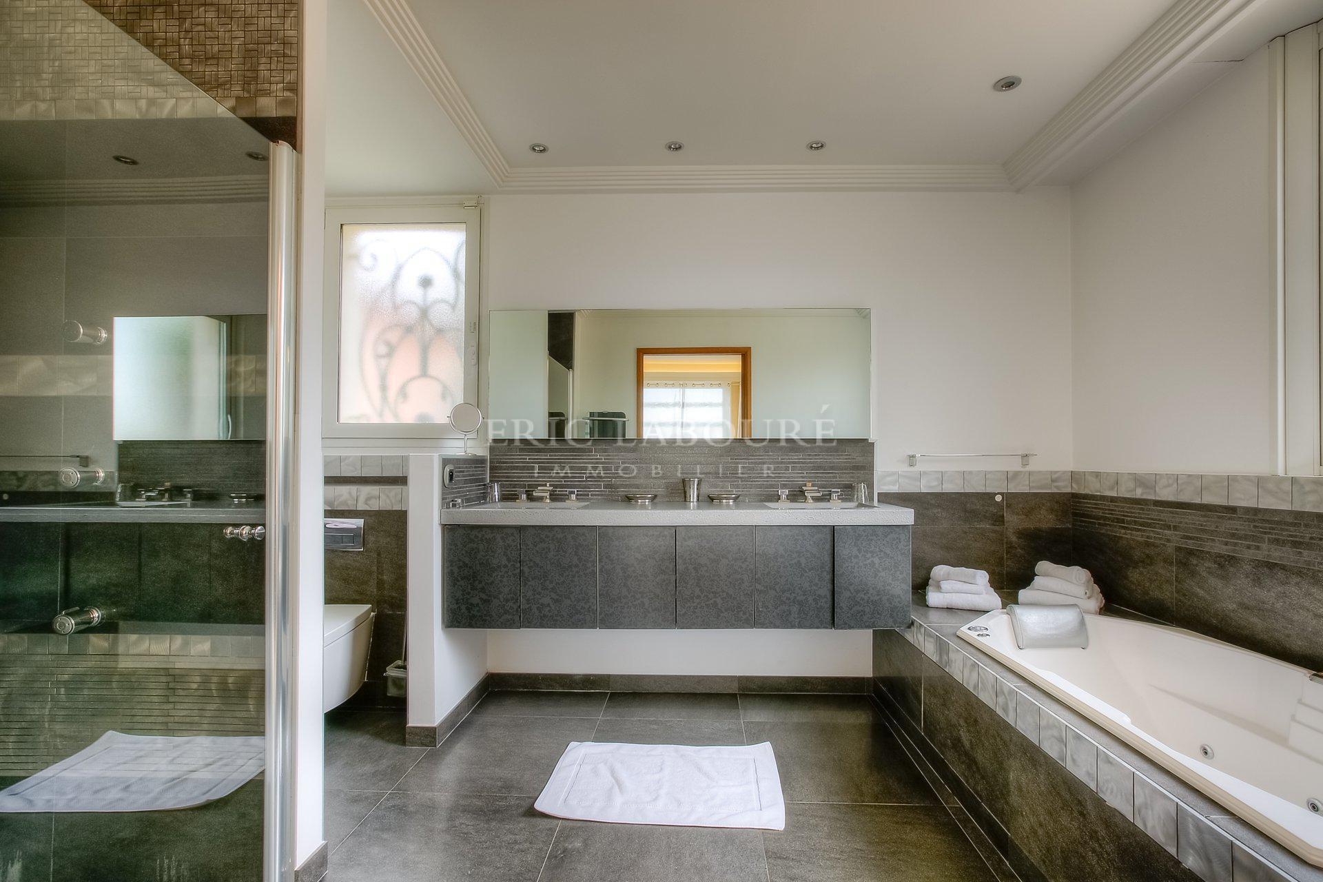 Superbe villa - Mougins