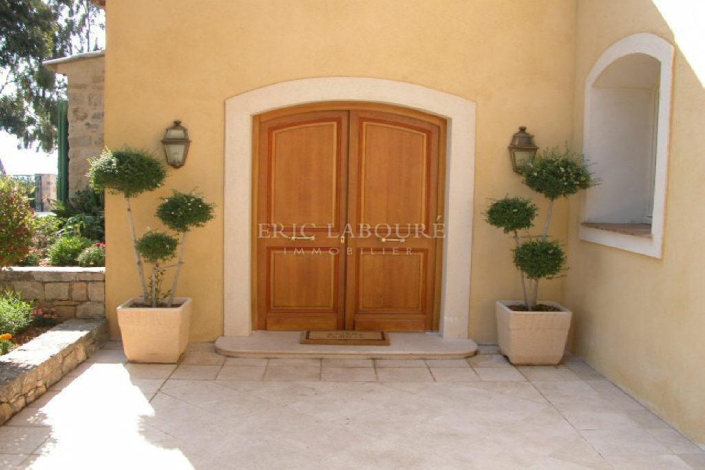 Seasonal rental House