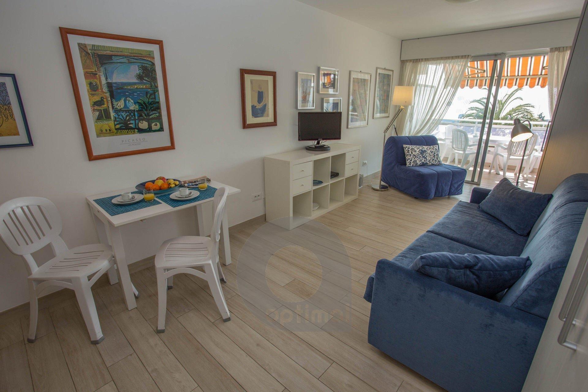 Studio face mer avec terrasse et climatisation