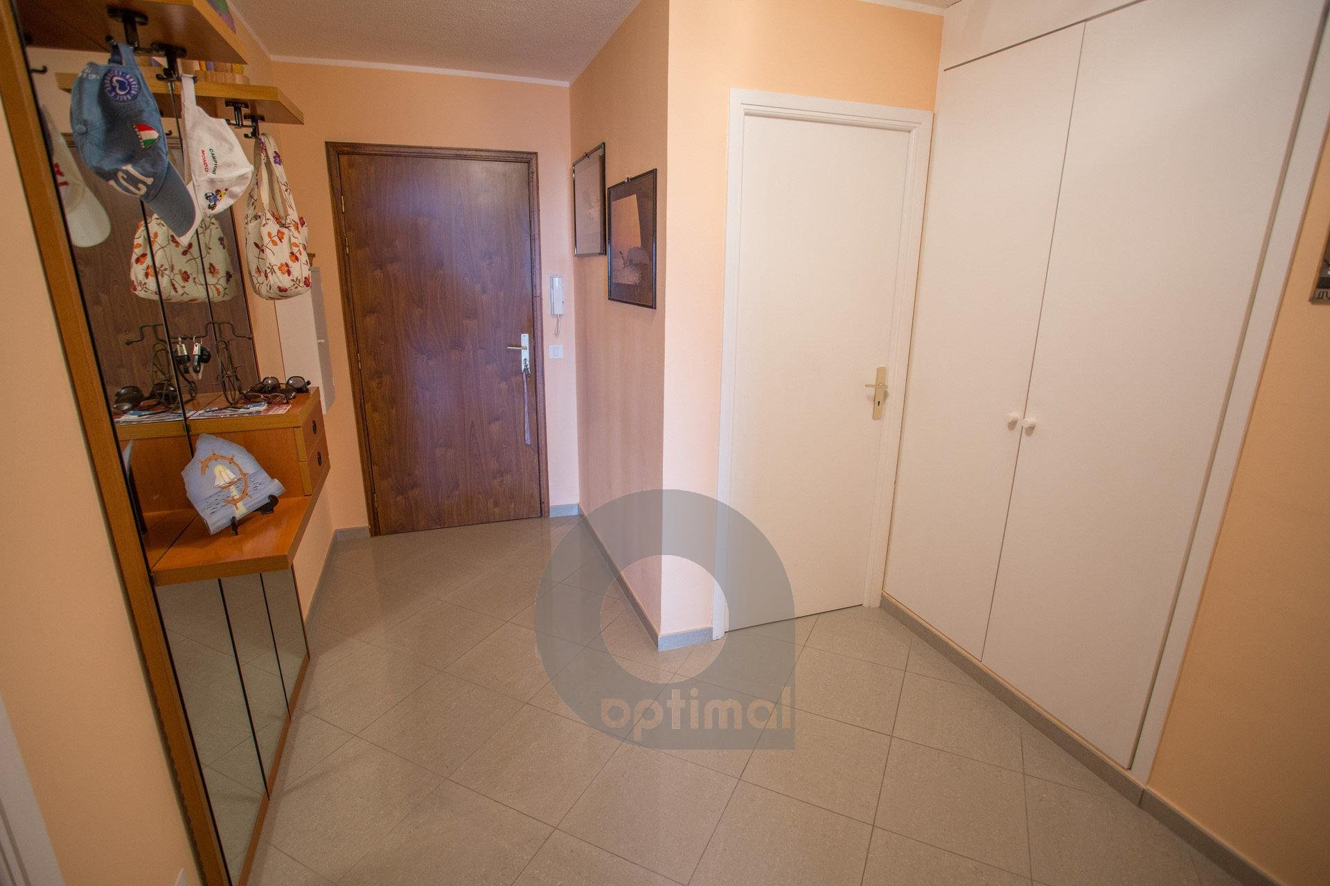 3 rooms apartment with terrace, swimming pool and garage