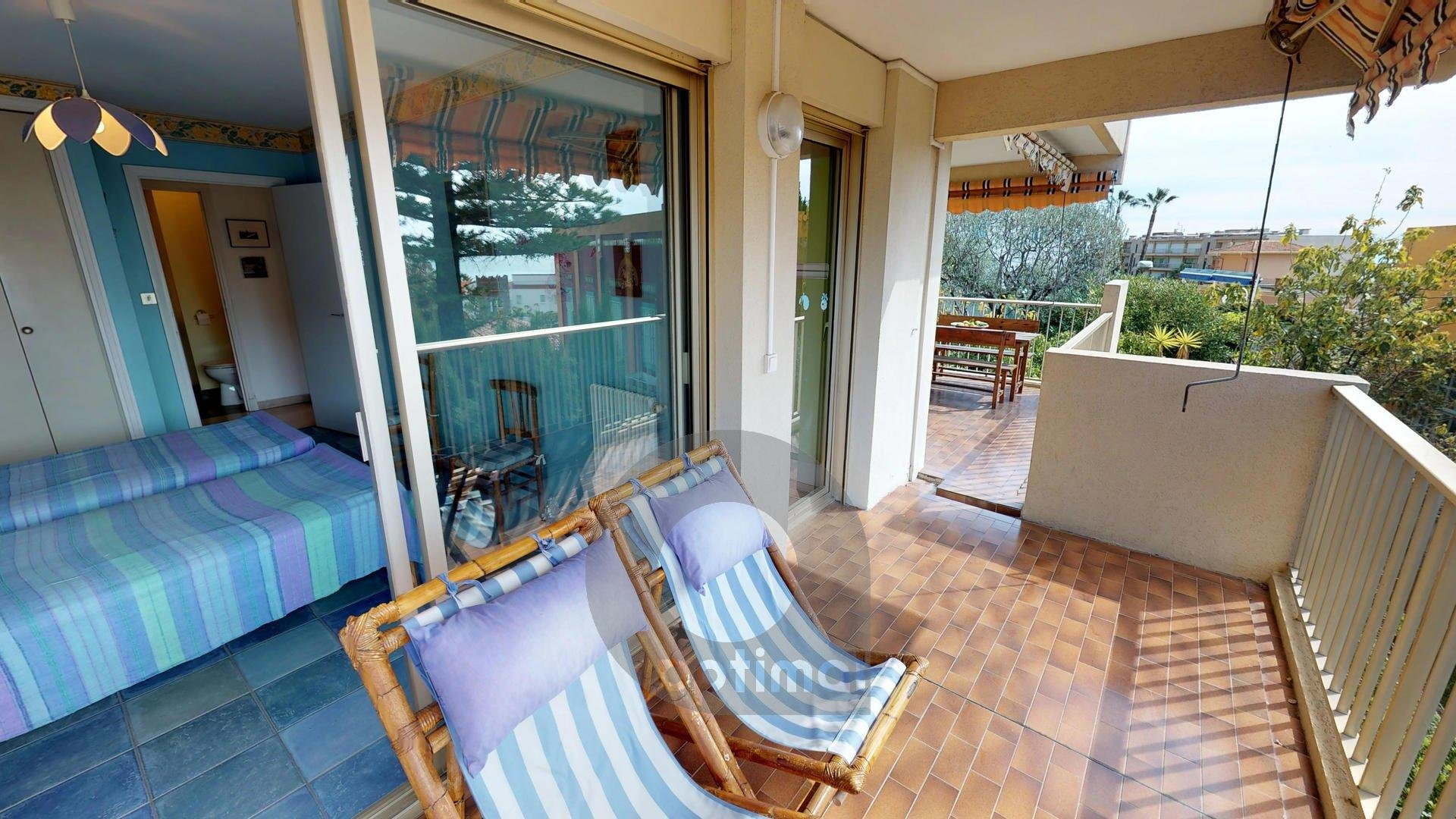 Big and quiet 2rooms apartment at 5min to the sea with terrace and private parking