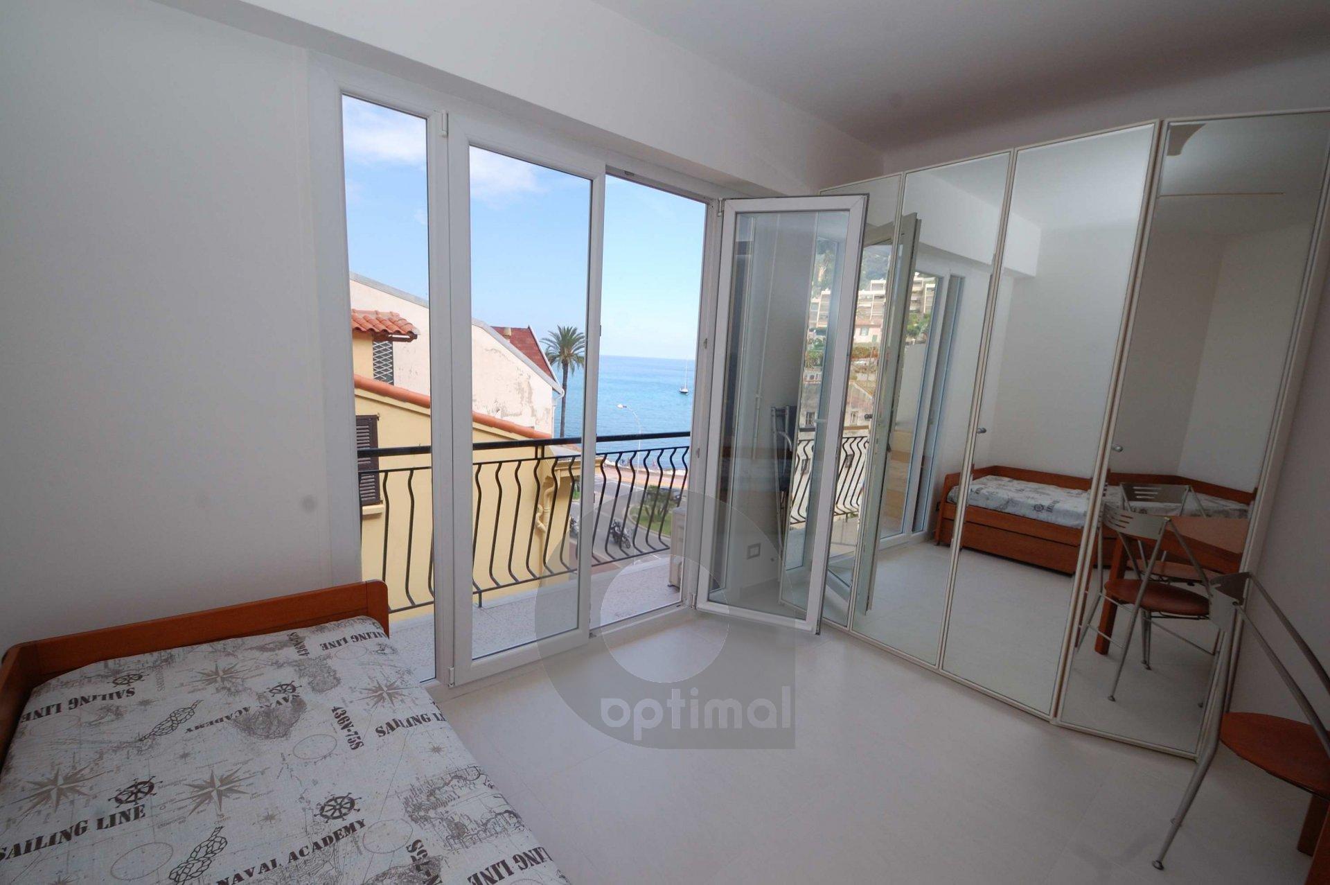 Studio avec balcon et vue mer