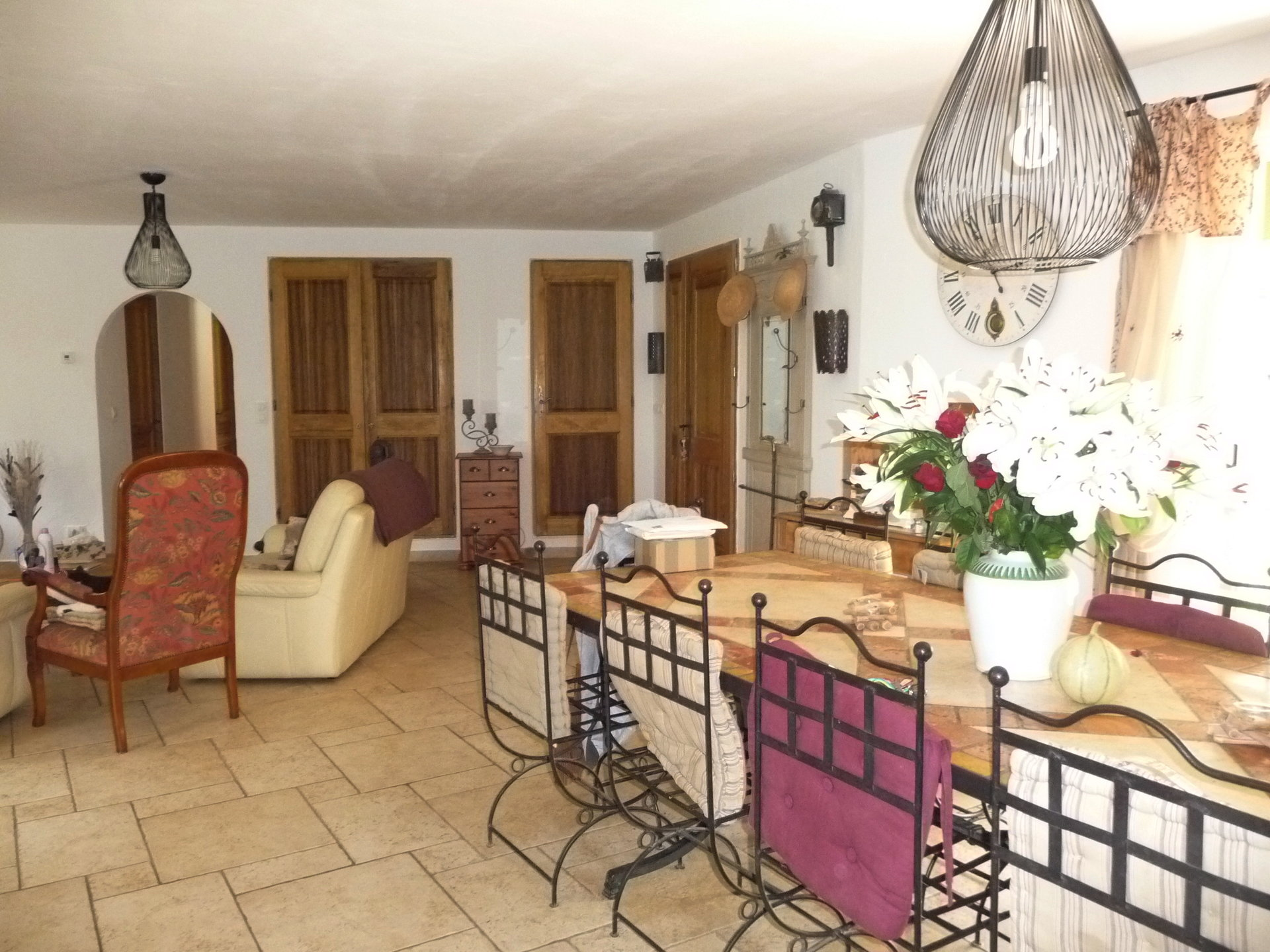 Pays de Fayence: villa with a pool, studio and 2 apartments