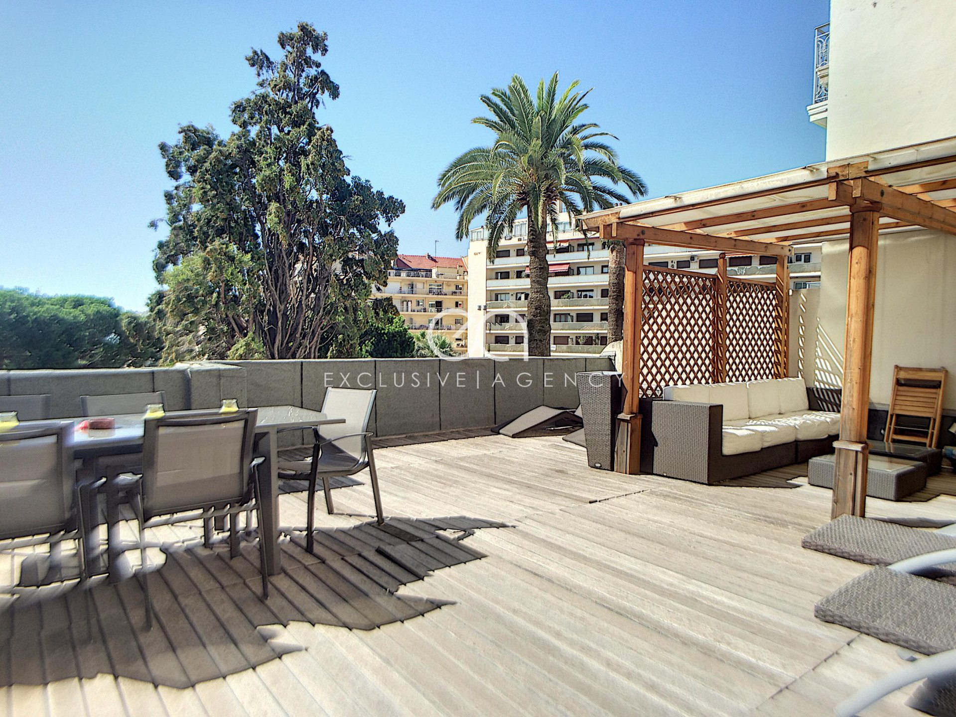 Apartment for sale Cannes Banane 65sqm terrace 60sqm