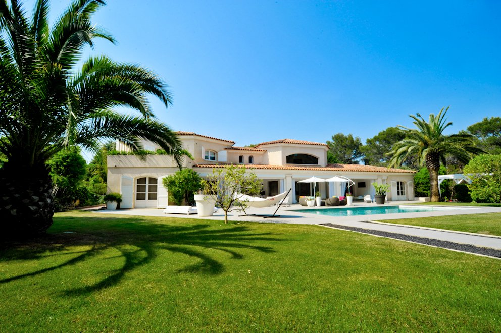 VERY BEAUTIFUL VILLA IN A PRIVATE DOMAIN VERY PEACEFUL