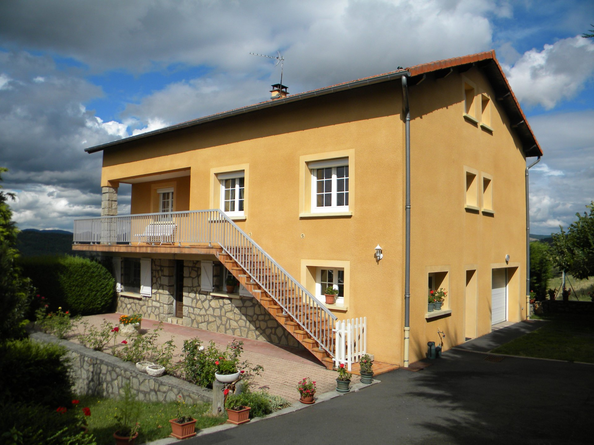 Sale House - Arsac En Velay
