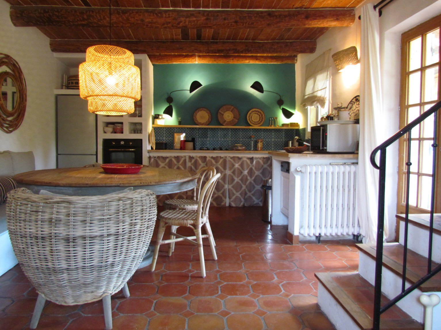 Charming house of 128 m² + terraces+garage in Fox Amphoux
