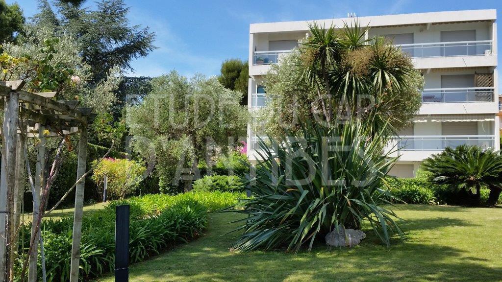 Flat to rent in Cap d'Antibes, Garoupe