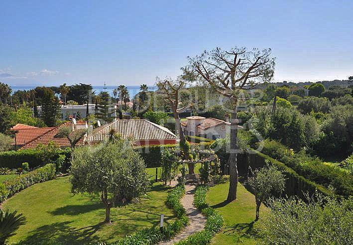 Flat to rent in Cap d'Antibes, Garoupe