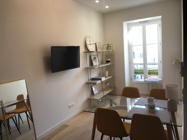 Sale Apartment - Nice Carré d'or Carré d'or - 244,000 €