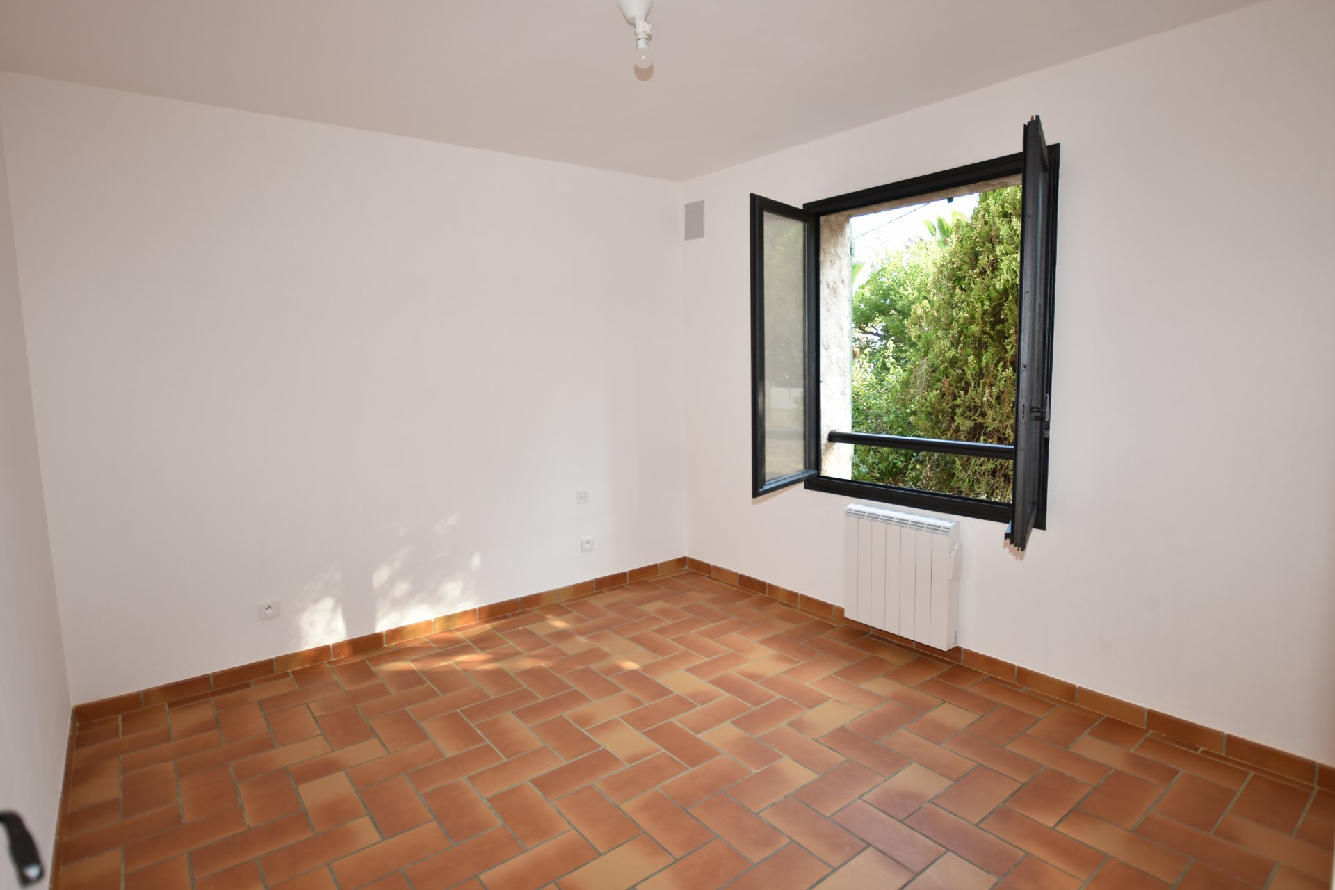 Rental Apartment - Antibes Groules
