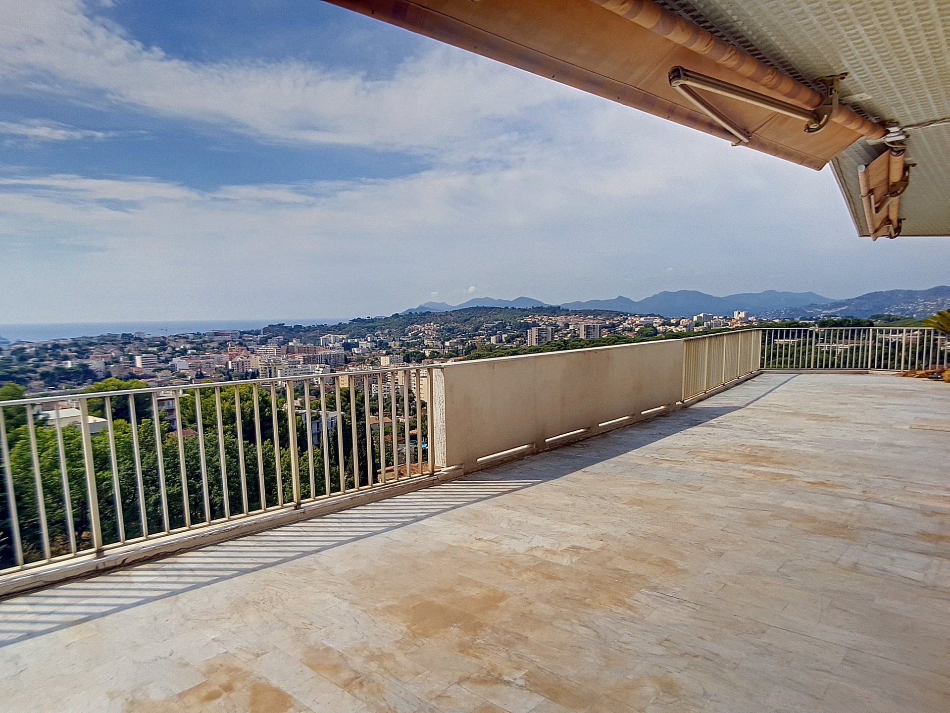 Penthouse 110 sqm with 120 sqm terrace
