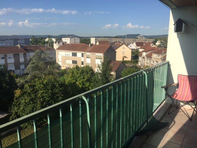 TALANGE: Bel Appt F5 avec gge et balcon