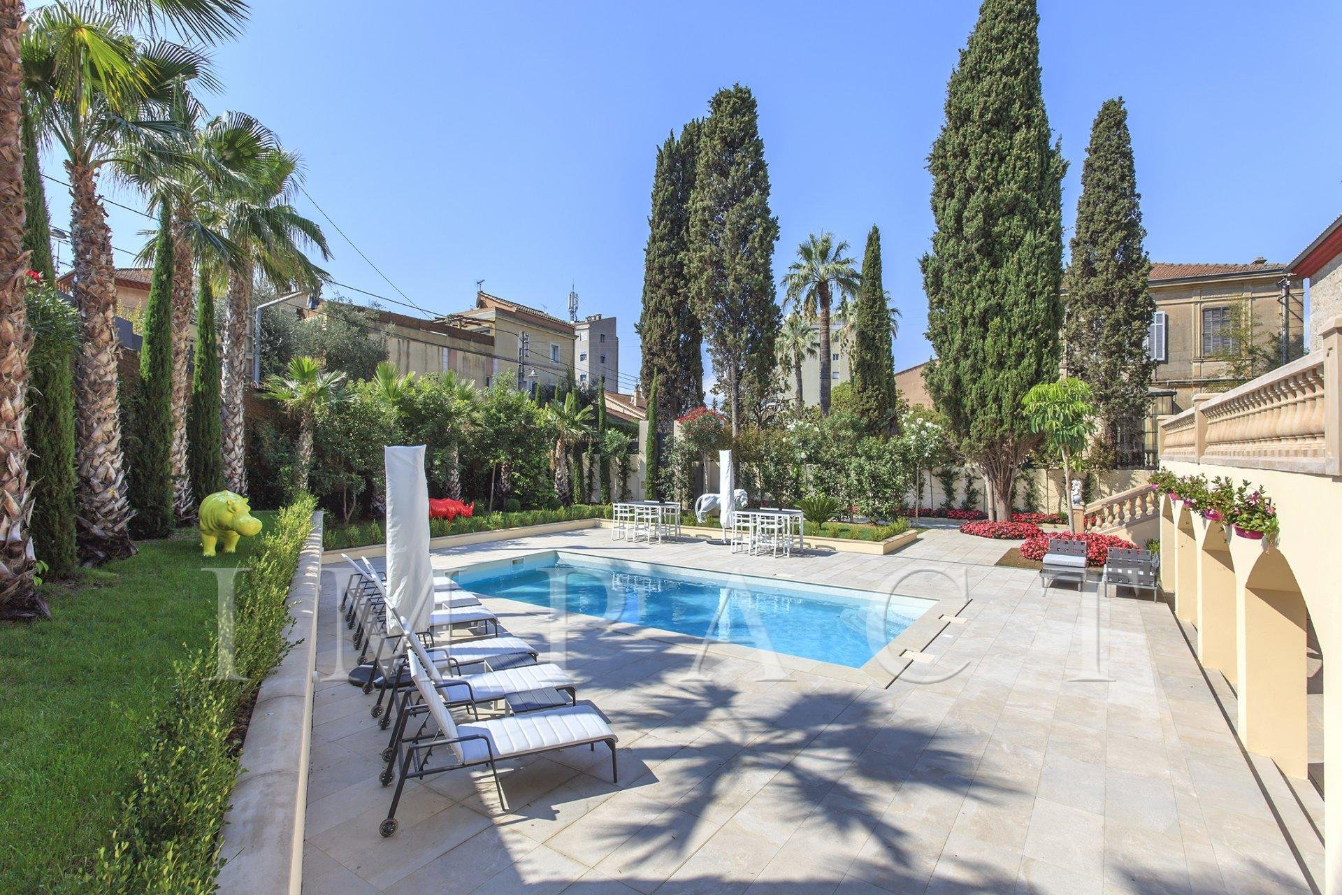 Elegant Property to rent in Cannes