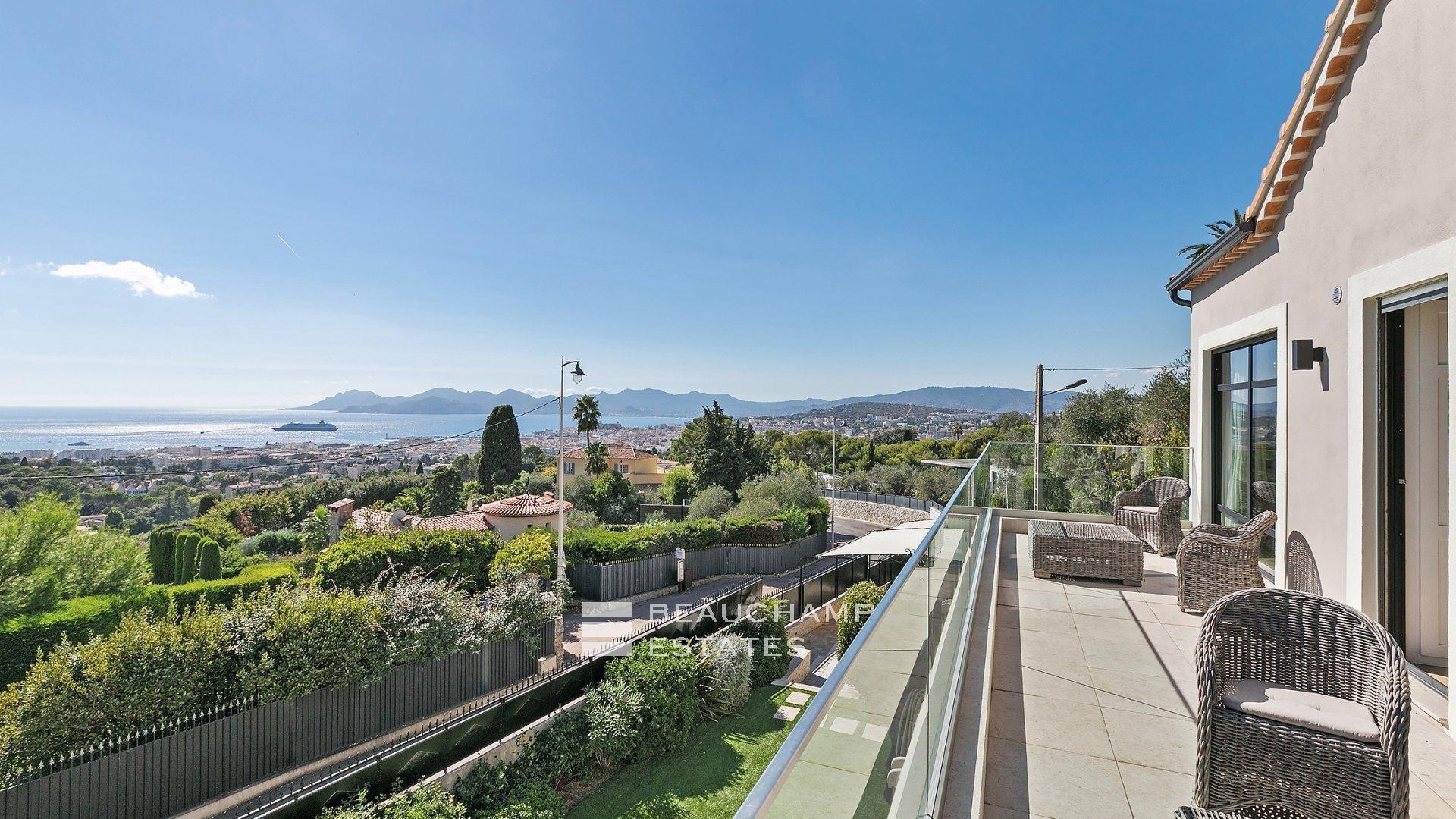 Cannes Californie, Superbe Propriété de 5 Chambres avec Piscine.
