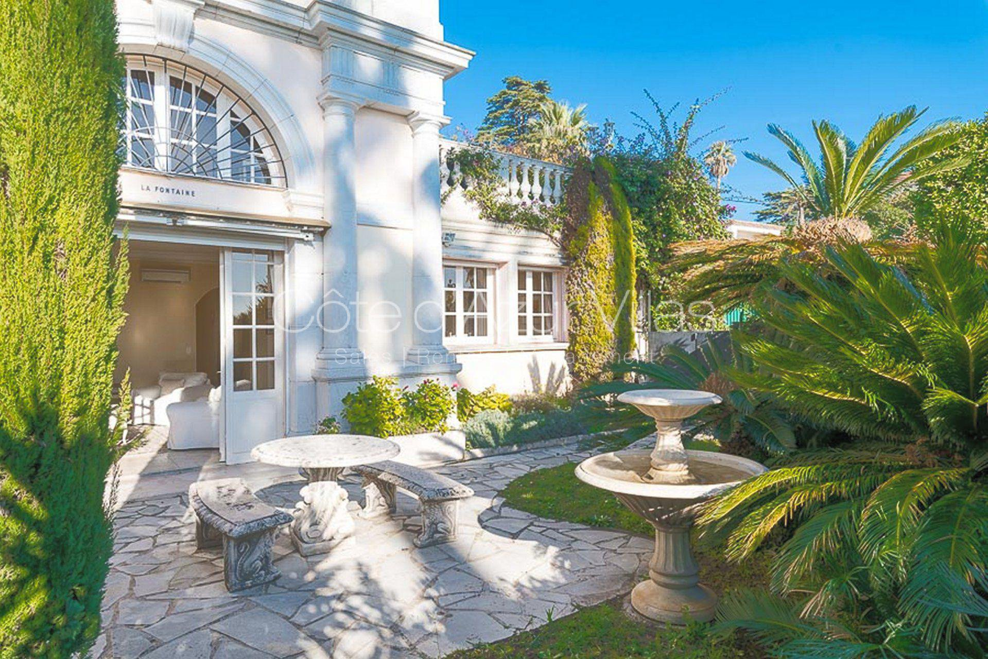 Cannes - Beautiful period house on a Castle domain