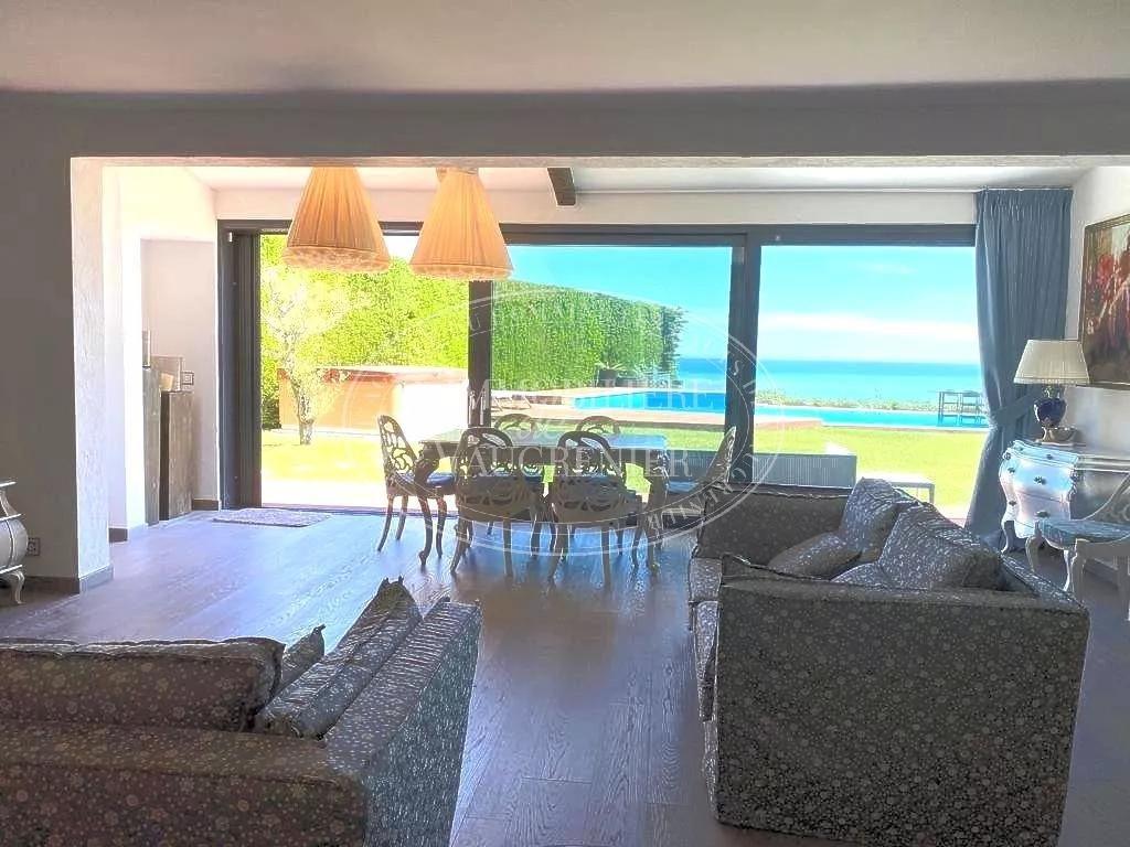 SALE HAUTS DE VAUGRENIER VILLA 5 ROOMS 2 590 000.-€