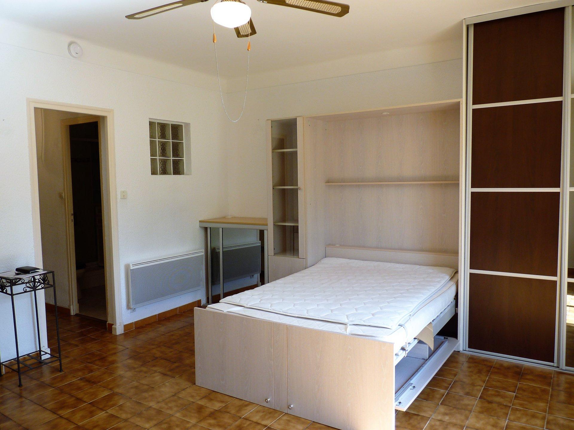 la ciotat clos des plages. Black Bedroom Furniture Sets. Home Design Ideas
