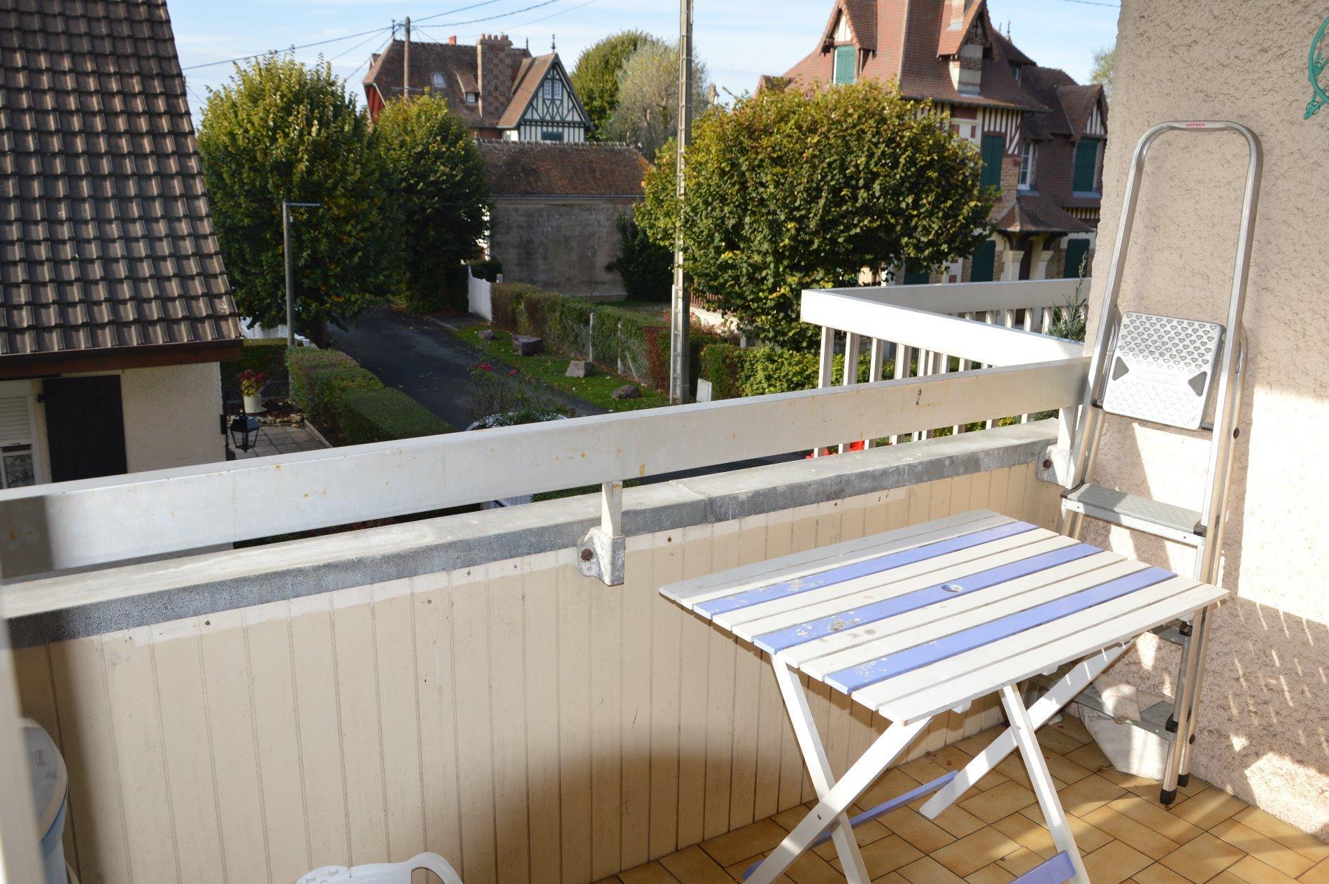 LOCATION SAISON 2 pièces balcon