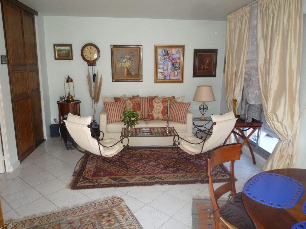 5 kamer appartement met enorm terras te koop in Vallauris