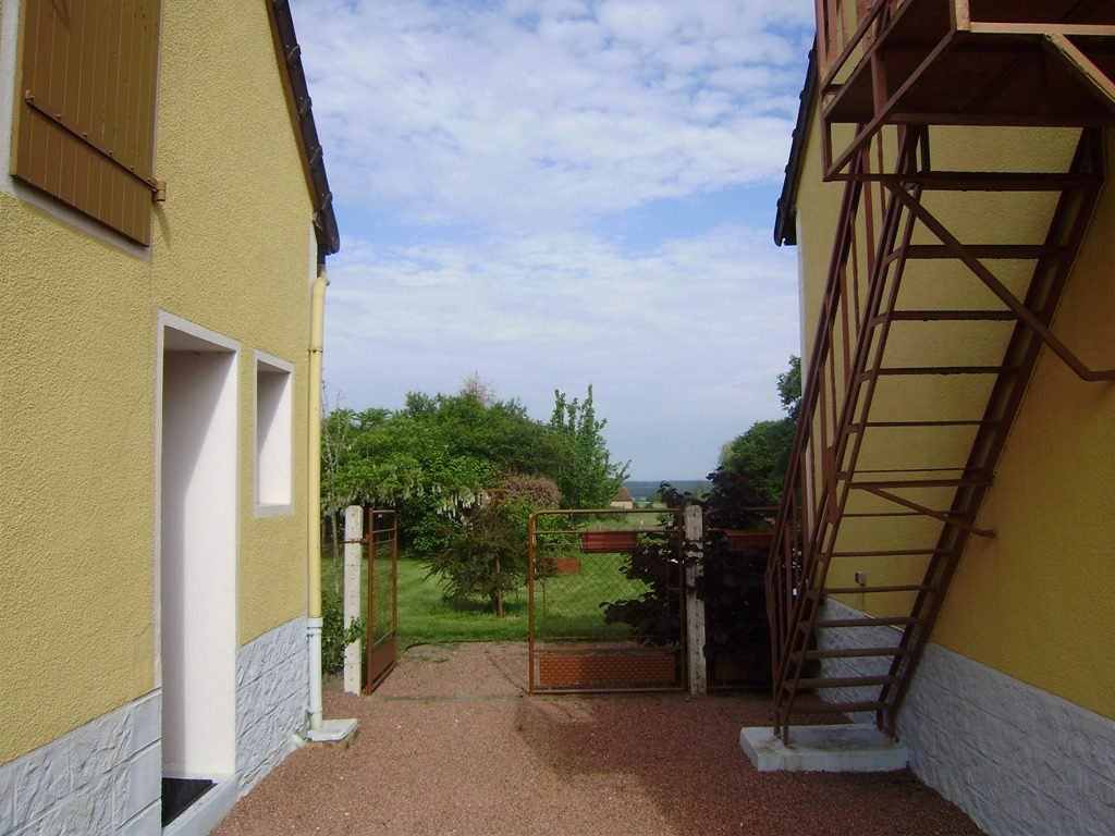 Private house in very good condition, with swimming pool and ...