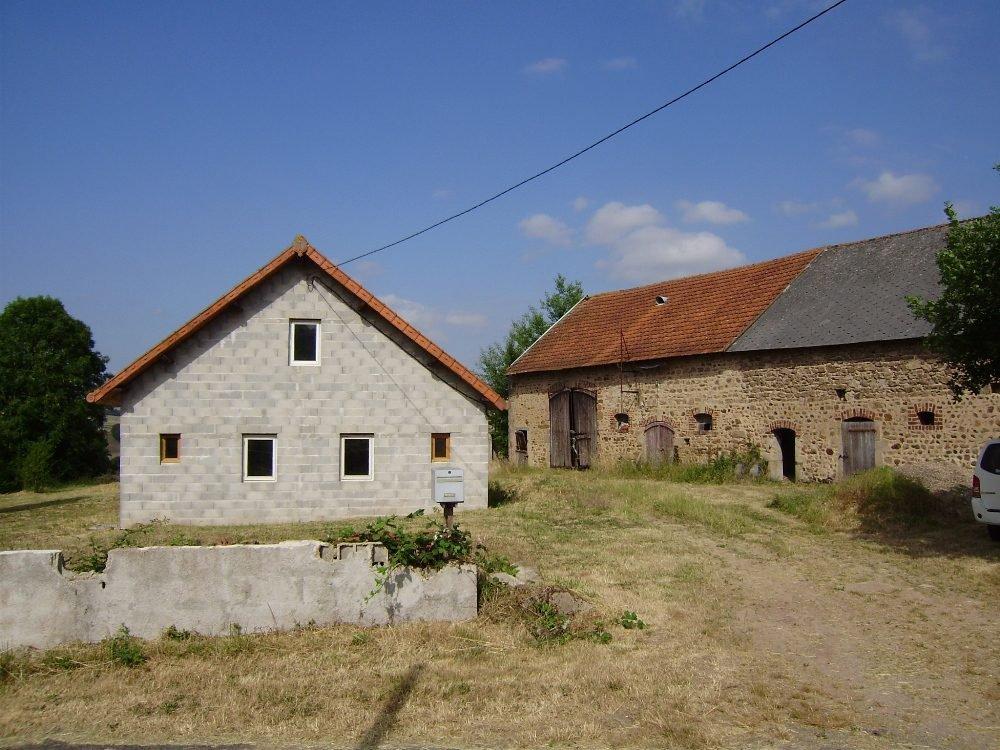 Maison avec belle vue dans la Bourgogne, à rénover