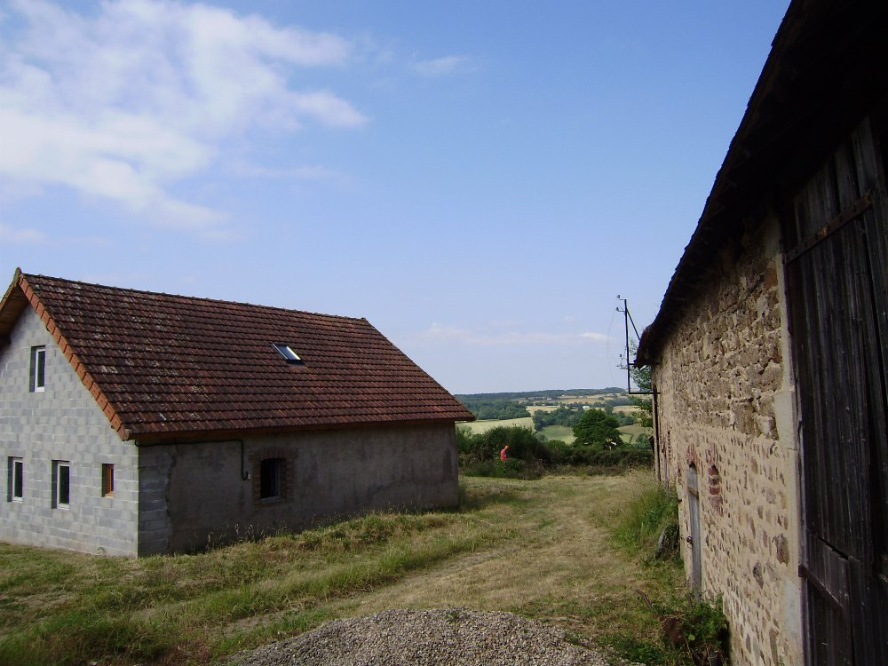 Cottage with fantastic view for sale in Burgundy
