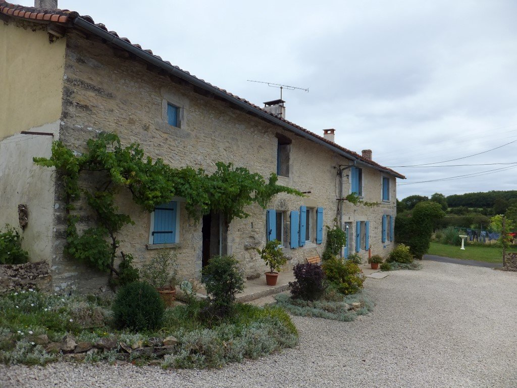 Beautiful set of 2 houses for sale in the Charente