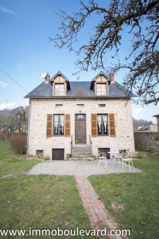 Natural stone house for sale in Anost in the Morvan