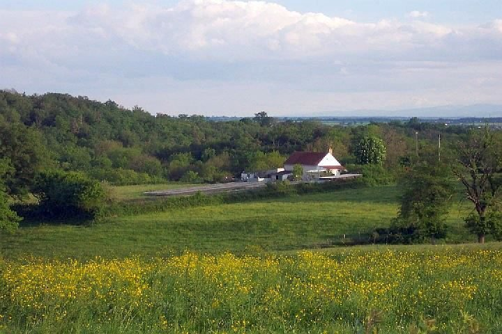 Property with 3,3 ha land in Burgundy