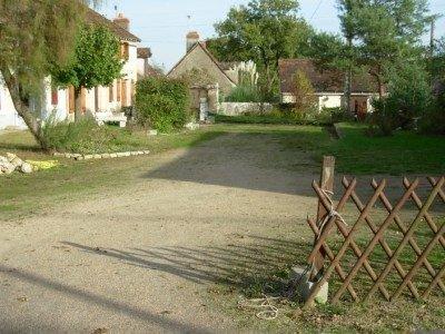 Brenne, Indre (36): maison avec 2 maisonettes à restaurer