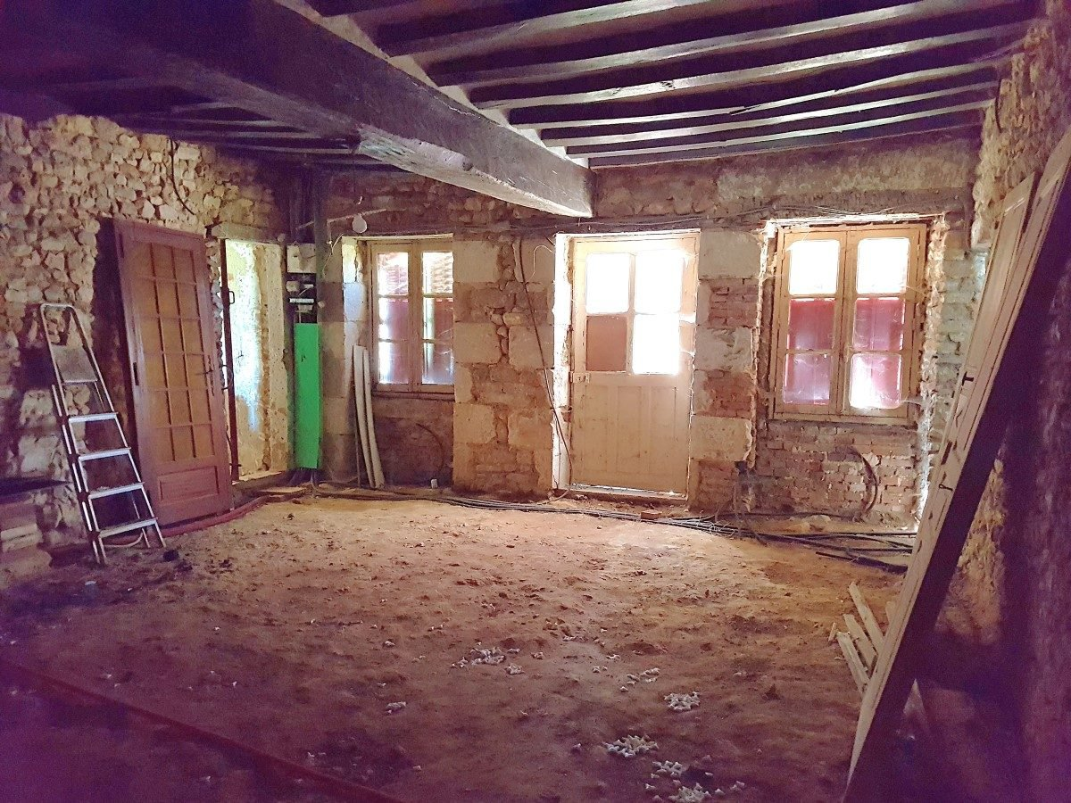 La Brenne, Indre (36): house with 2 cottages to renovate