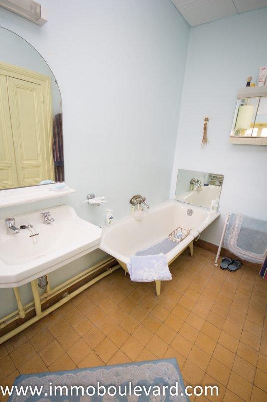 Maison mitoyenne à vendre Proche Lucenay L'évêque, en Bourgogne