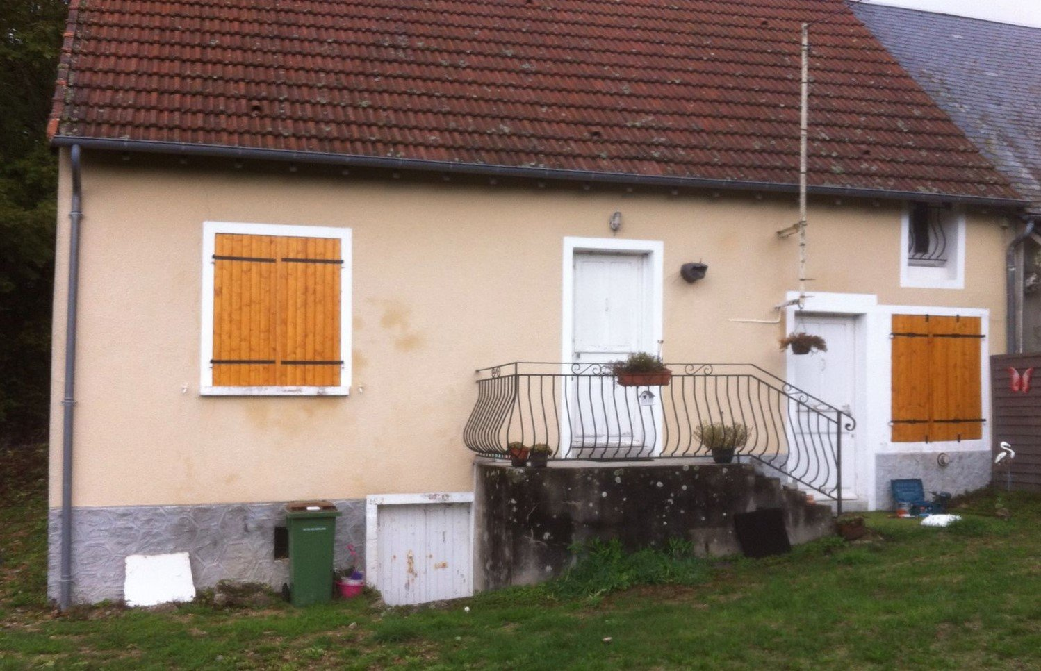 Semi-detached cottage for sale  in the Morvan, Burgundy