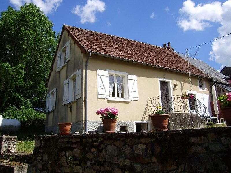 Semi-detached cottage in the Morvan, Burgundy